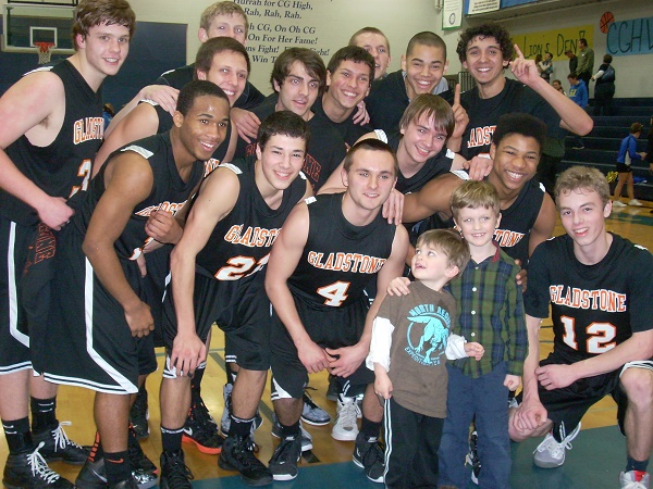 Gladstone Home Appraiser's Kids and Gladstone Basketball Team